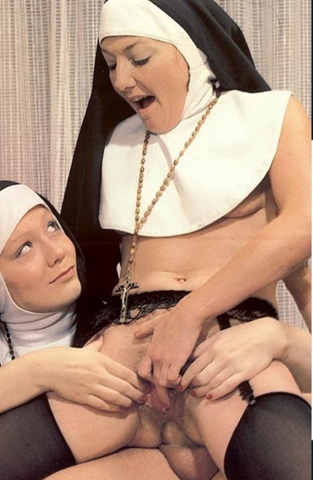 Трахнул двух монашек